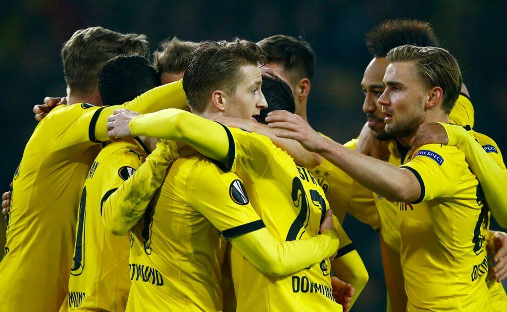 Borussia Dortmund Team Football