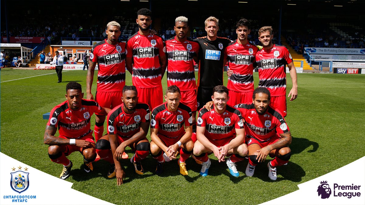 HUDDERSFIELD TOWN Team Football 2018