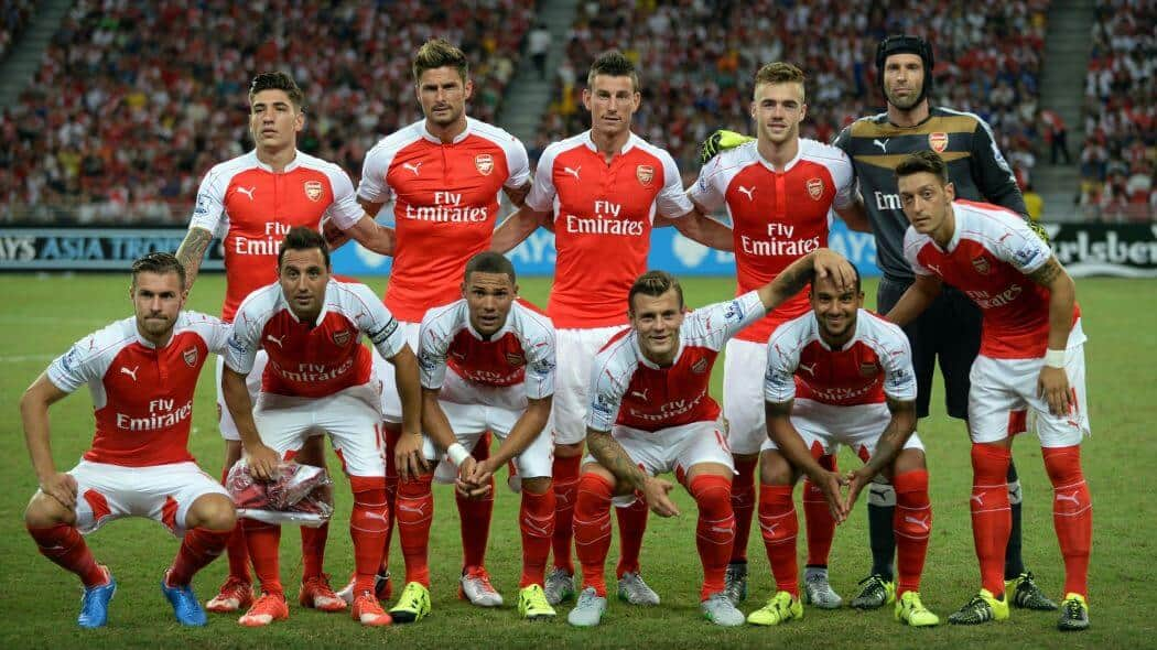 FOto sepak bola tim ARSENAL